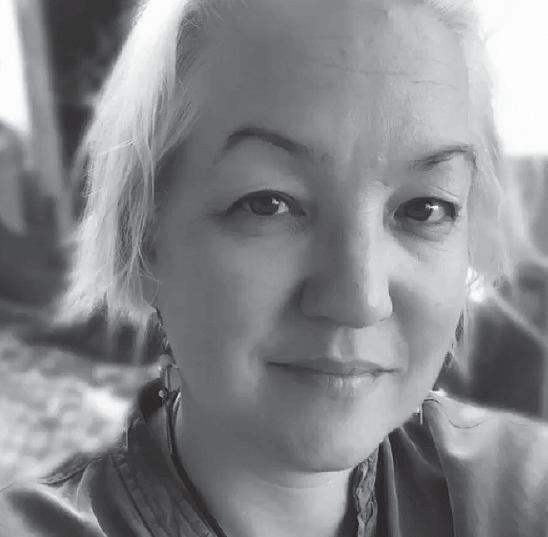 Tina - Copywriter and Storyteller